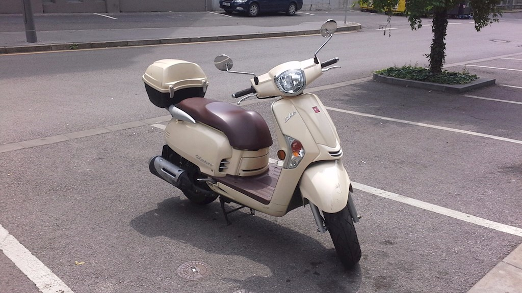 Rent Scooter Kymco Like In Prague